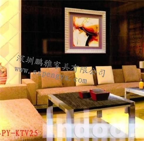 一、型号:PY-KTV25夜总会沙发酒吧沙发量贩式KTV沙发定制 二、规格(MM):深度900*高度900(可按要求定做) 三、面料:采用柔软适性好,伸缩弹性好,厚度适中的布料或皮料,一般采用绒布,西皮,超纤皮等。 四、海绵:靠背采用2寸超力海绵提高沙发的舒适度,坐垫采用4寸高弹海绵保证沙发坐垫支撑力度 五、框架:靠背拉扣子+欧式扶手+木结构框架+进口蛇形弹簧+进口松紧带,木方采用经过高温杀虫、脱脂、干燥处理的进口山楂木,不易变形,握钉力好;夹板采用进口多层板,其纵横交错的加工工艺,与普通拼接装饰板相比